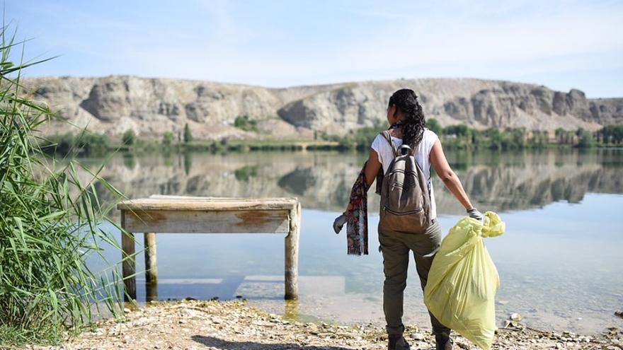 Convocada la quinta edición de 'Apadrinamientos de espacios naturales' contra la basuraleza dirigida a entes locales