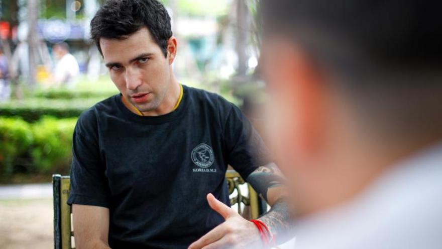 """""""Todo era felicidad al salir los atrapados"""", dice un buzo español en Tailandia"""