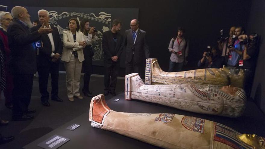 Una muestra única reúne en Granada medio centenar de momias de cinco continentes