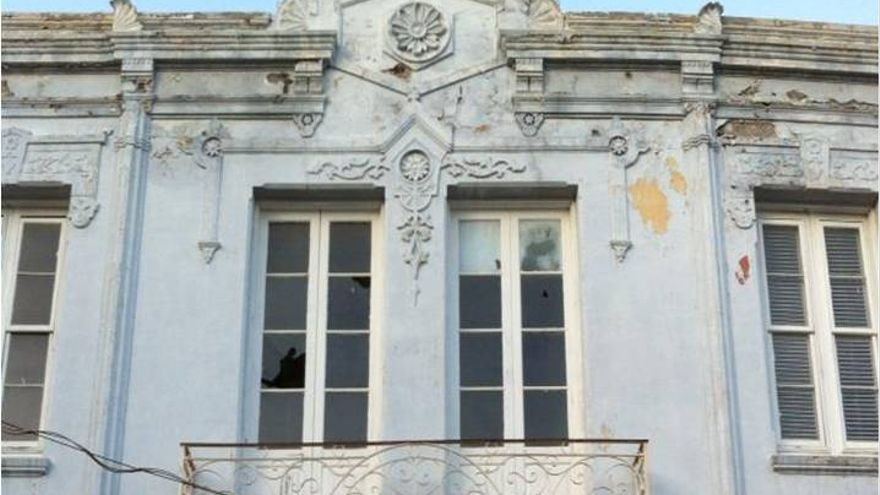 Detalle de la fachada de la casa Siliuto, en el barrio de El Toscal.