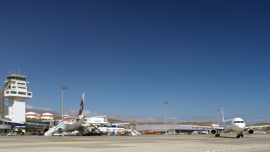 Campo de vuelo del aeropuerto Tenerife Sur / Fotografía de AENA