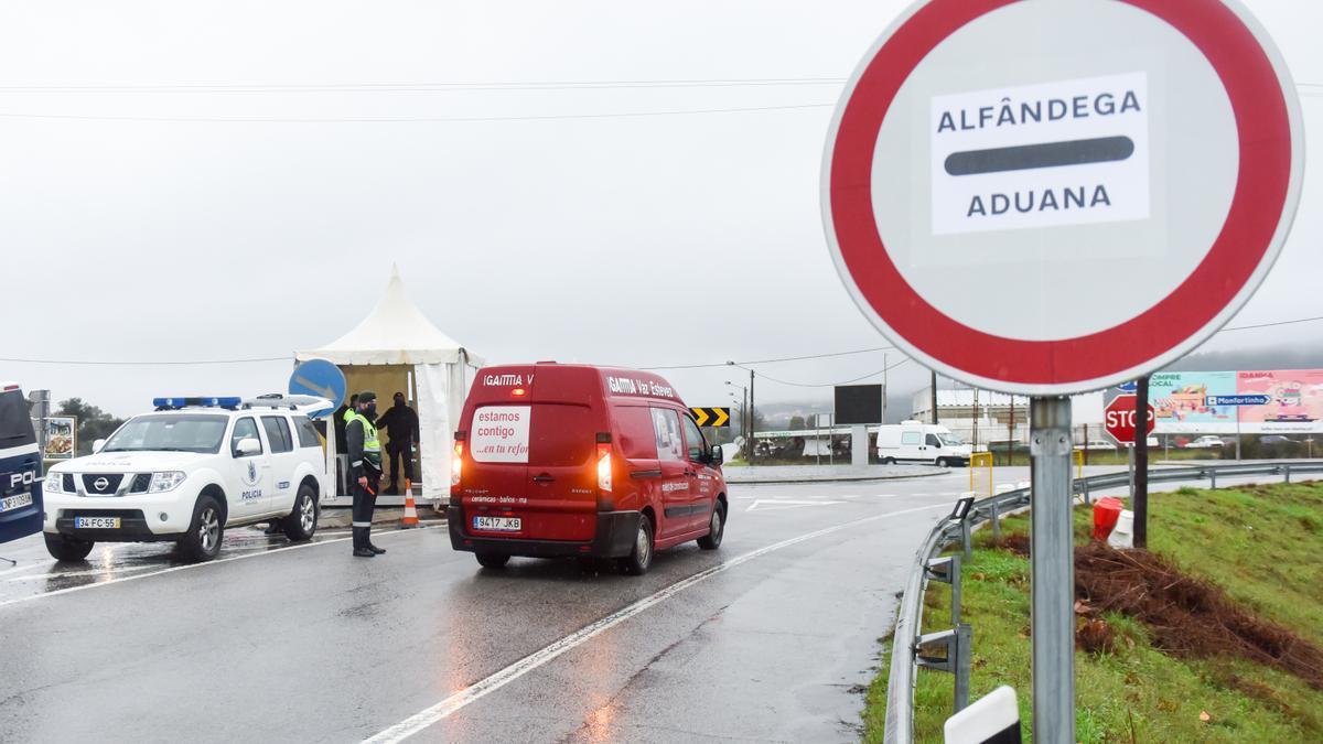 Controles en la frontera entre Portugal y España