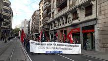 Manifestación en Bilbao durante el primer día de la huelga de un mes en la enseñanza concertada