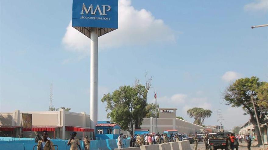 Varios muertos en Somalia tras detonar Al Shabab un coche bomba en la capital