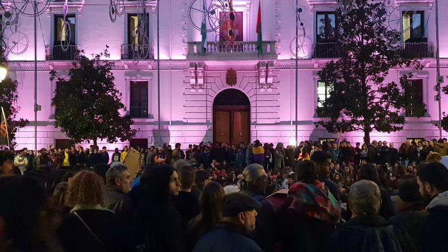 Asamblea de los concentrados en la Plaza del Carmen de Granada