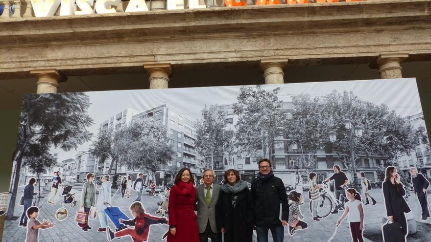 Marta Román, Antonio Ariño, Begoña Pernas i Giuseppe Grezzi en el Claustro de La Nau.