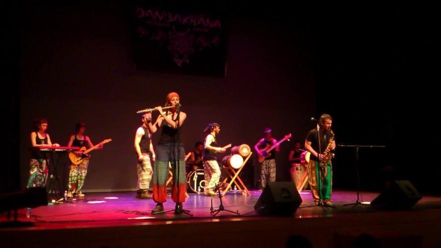 Danbakhana en una actuación en el teatro de Ansoáin.