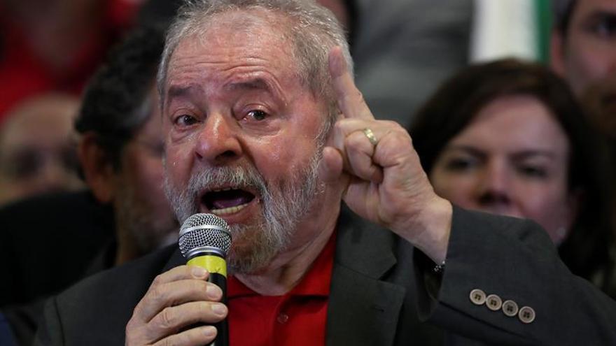 """Lula reitera que lo acusan por """"miedo"""" a que aspire a la Presidencia en 2018"""