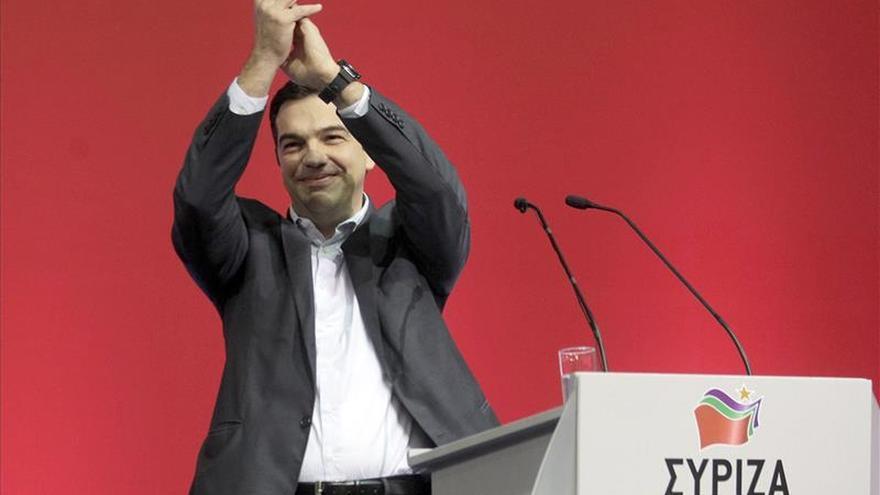 """Tsipras pide al primer ministro griego Samarás un debate televisado """"sincero"""""""