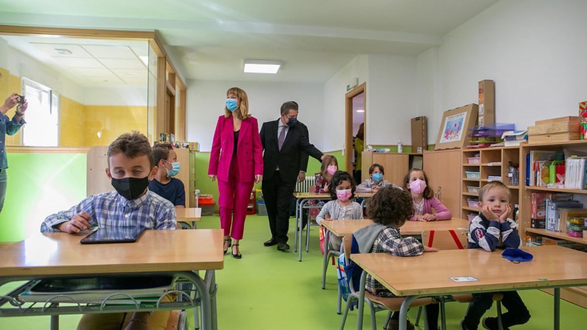 Una escuela rural de Cuenca reabre 49 años después de su cierre