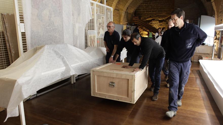 Las cajas con los bienes en el Monasterio de Sijena