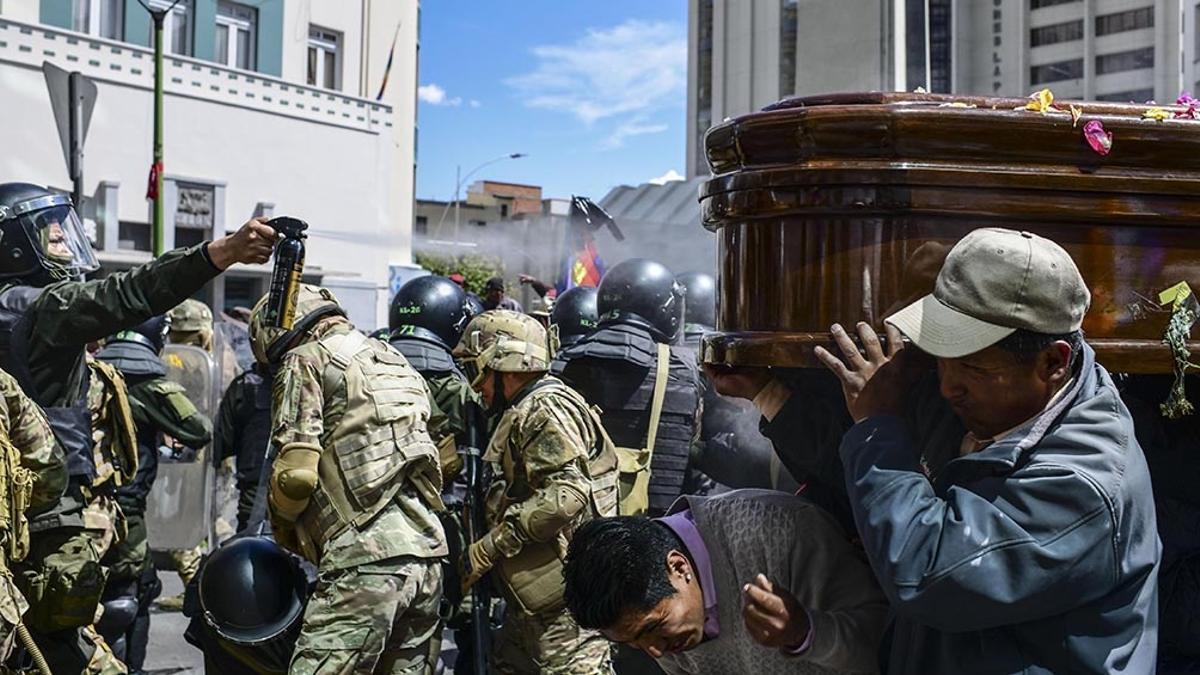 El  expediente  por el envío irregular de armamento y material represivo en apoyo al golpe de Estado contra Evo Morales en noviembre de 2019 lo tramitaba, hasta ahora, el juez Javier López Biscayart.