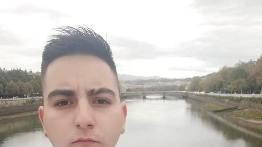 La Ertzaintza pide colaboración ciudadana para localizar a un joven de 22 años desaparecido en Bilbao el 24 de octubre
