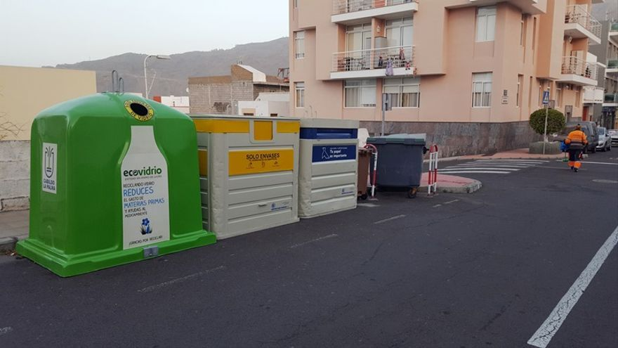 En la imagen, los nuevos contenedores.