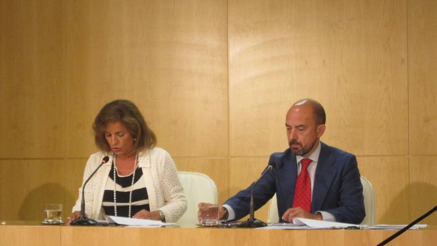 """Botella cree que si Gallardón dejara la vida pública tras el Ministerio sería """"una pérdida para la política"""""""