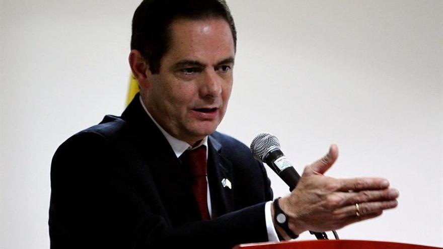 El vicepresidente colombiano se disculpa públicamente por agredir a su escolta