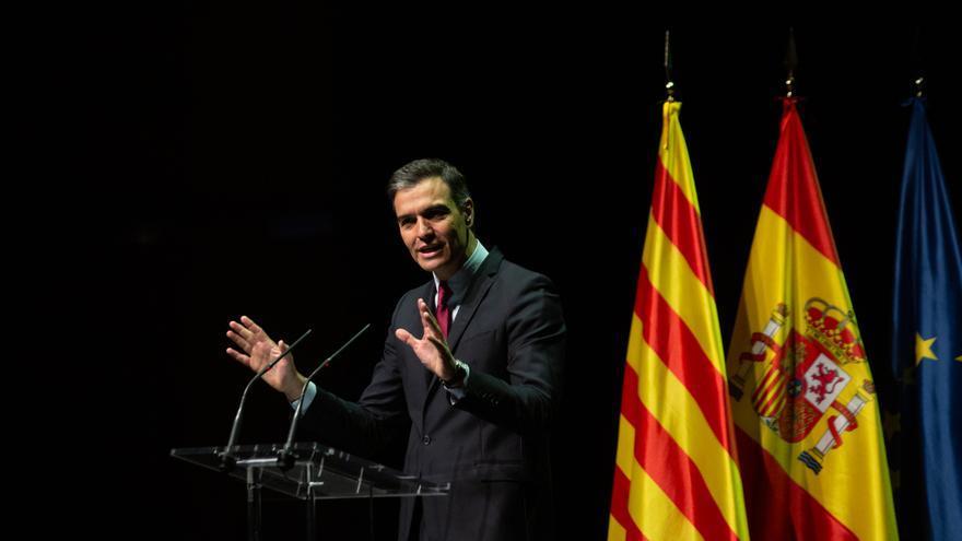 El presidente del Gobierno, Pedro Sánchez, pronuncia la conferencia 'Reencuentro: un proyecto de futuro para toda España', en el Gran Teatre del Liceu de Barcelona