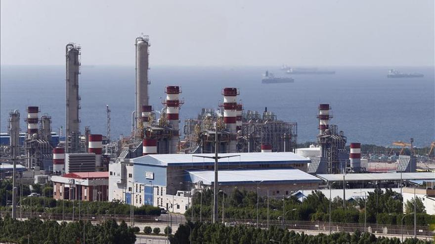 """Irán """"no pedirá permiso"""" para recuperar su cuota de producción en la OPEP"""