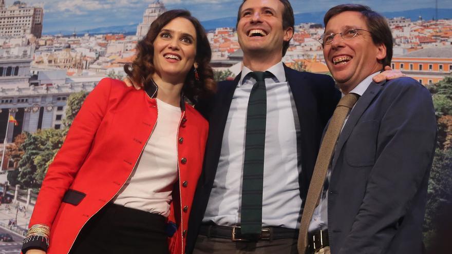 """Ayuso y Almeida arrancan campaña junto a Casado confiados en recuperar el voto y ser """"contrapeso"""" de la izquierda"""