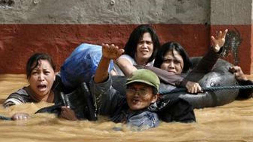 Filipinas pide ayuda internacional para poder afrontar las labores de rescate