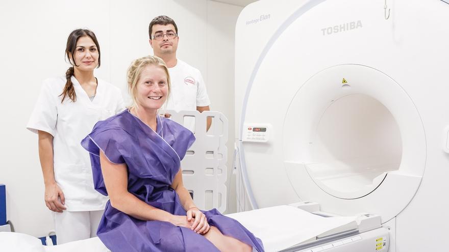 La atleta neozelandesa espera los resultados de una prueba de resonancia magnética para acabar de definir su participación en la edición 2015  de Transvulcania.