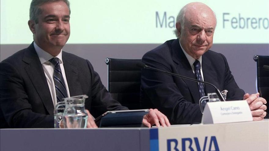 El BBVA empeora las previsiones de 2013 hasta la recesión del 1,4 por ciento y el paro de 27,1 %