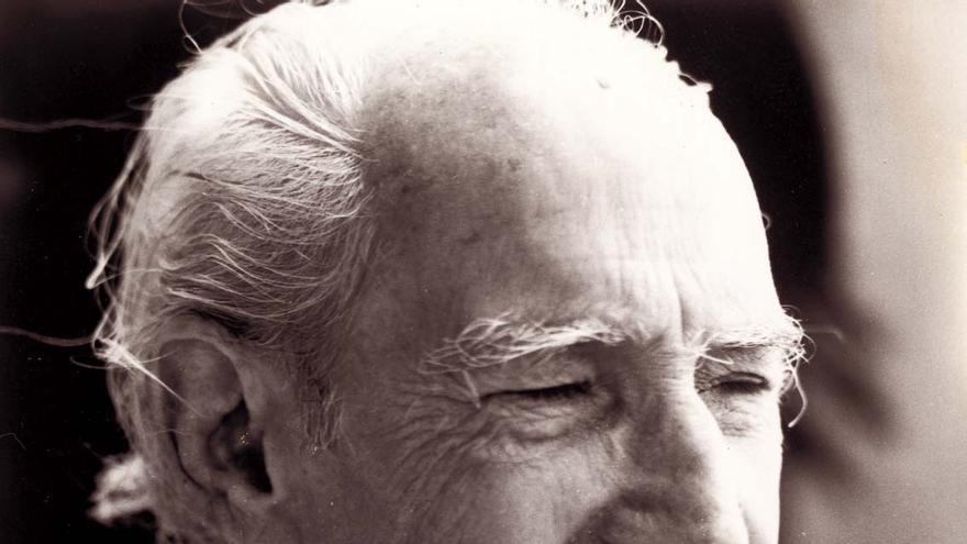 Domingo Pérez Minik.