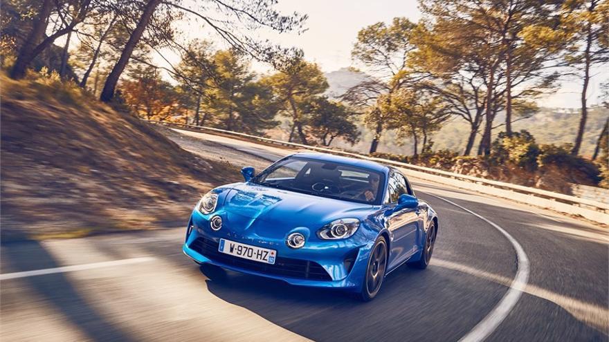 Alpine, que cesó su producción en 1995, retorna al mercado en 2018 con este deportivo biplaza.
