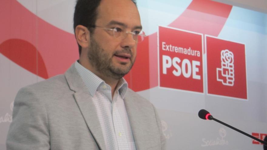 """Hernando (PSOE) dice que la facturación de Monedero por informes """"a lo mejor no es ilegal  pero sí inmoral"""