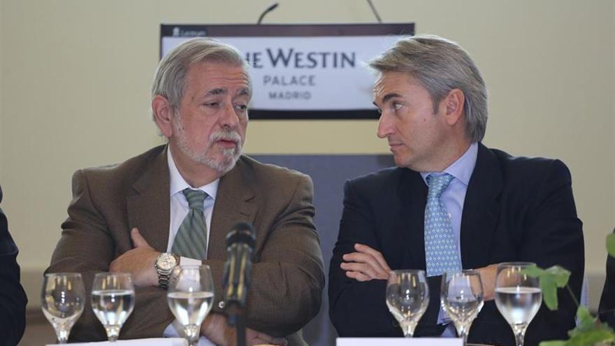 Antonio Beteta, secretario de estado de Administraciones Públicas, con Manuel Broseta, presidente de Conexus.