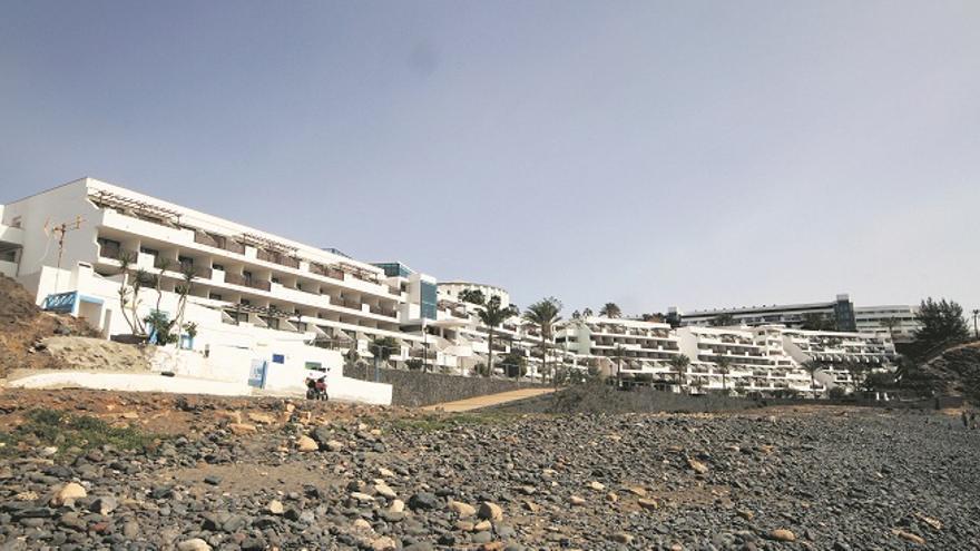 Detenidos los dueños del Papagayo Arena por desviar créditos para inversiones en el Caribe. (Diario de Lanzarote).