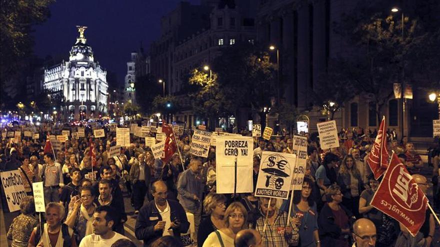 Varios miles de personas piden actuar contra la pobreza y el fraude fiscal