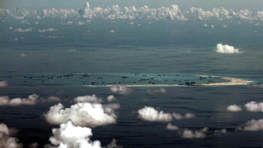 Diario chino advierte de respuesta si Japón patrulla por el mar de China Meridional