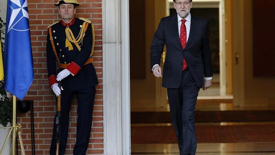 Rajoy sale de Moncloa. Imagen de archivo (EFE)