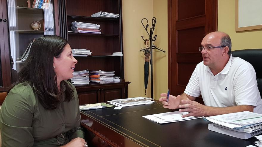 Reunión de Goretti Pérez Corujo y Anselmo Pestana.