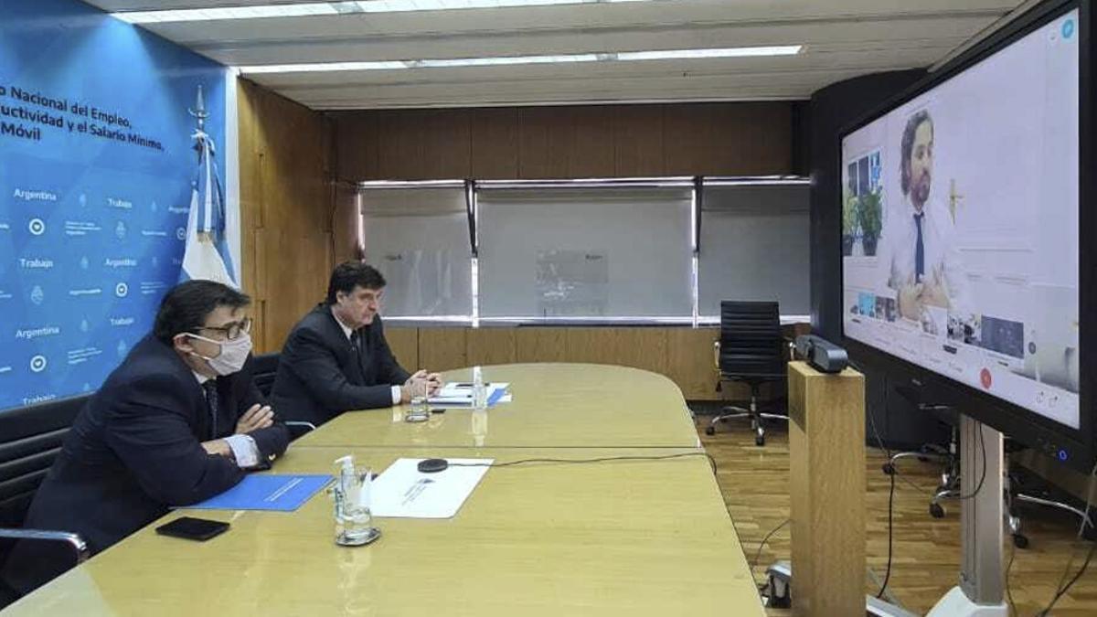 Una de las últimas reuniones virtuales del Consejo de Salario