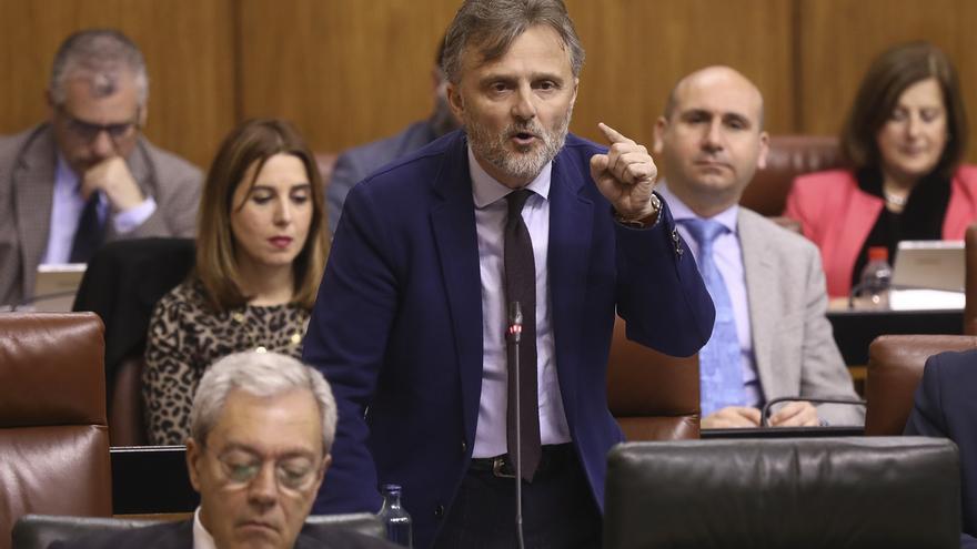 """PSOE-A pide a Junta más transparencia e insiste en afear la """"alergia"""" de Moreno a acudir al Parlamento"""