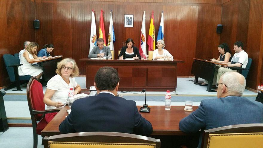 Pleno del Ayuntamiento de Santander presidido por Gema Igual.