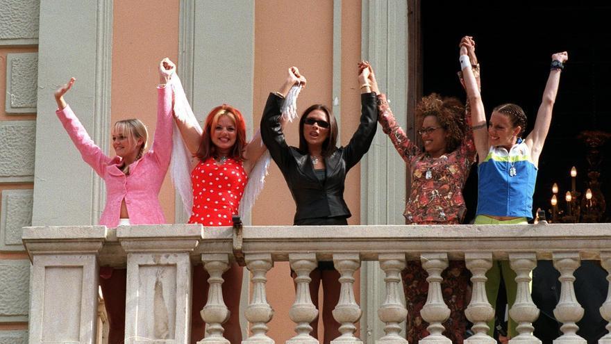 Las cinco componentes del grupo británico 'Spice Girls' en 1997.