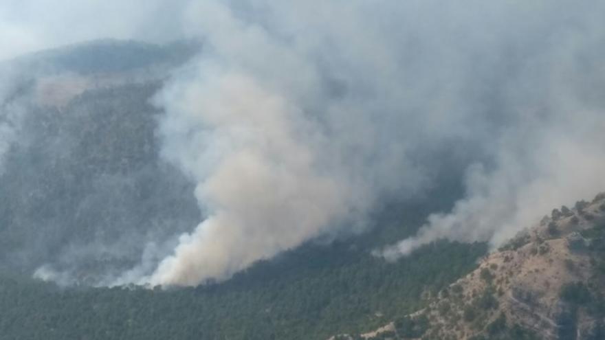 Imagen del incendio de Yeste, en Albacete, desde la Garita del Molejón