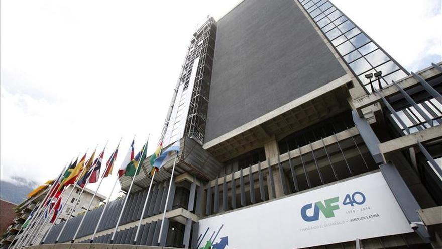 Explota un artefacto explosivo en la sede de la CAF en Caracas
