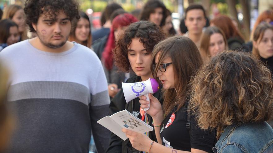 Concentración estudiantil. Huelga Feminista 8M Murcia (09)