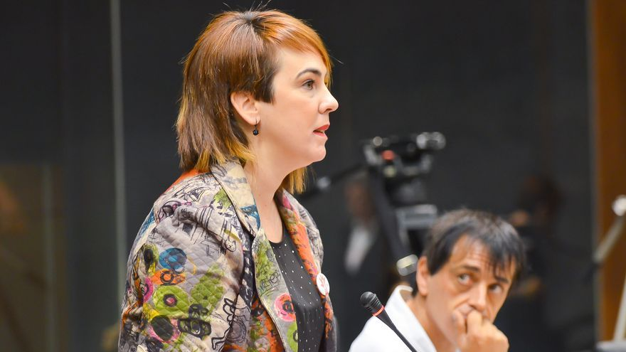 La nueva presidenta del Parlamento, durante una intervención en la constitución de la Cámara.