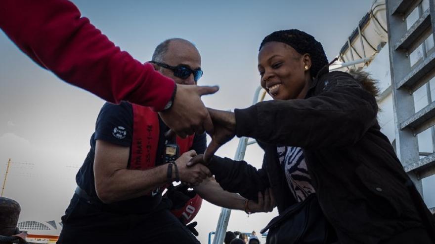 Las 79 personas rescatadas por el Aita Mari desembarcan en Italia