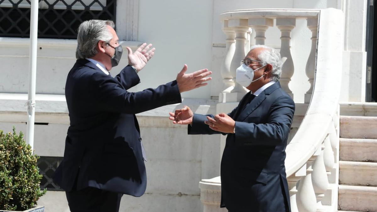 Alberto Fernández con portugués Antonio Costa