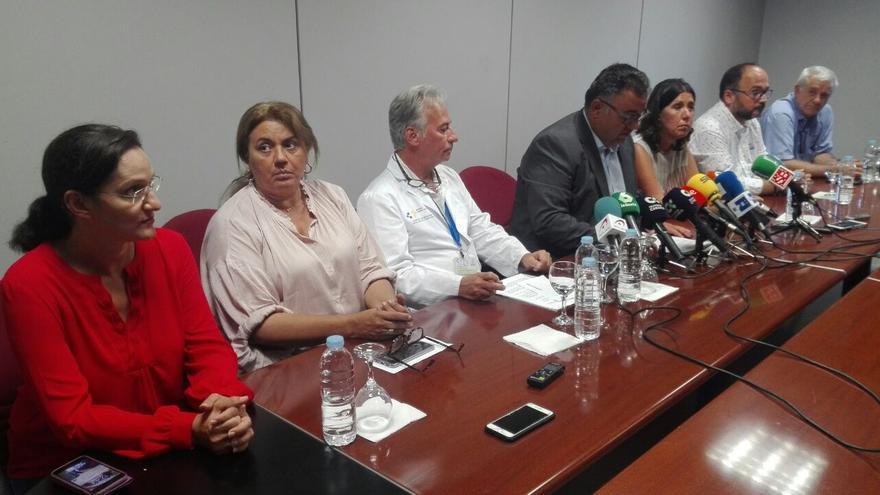 Gestores públicos que participaron este martes en la rueda de prensa, con Conrado Domínguez, del SCS, y José Antonio Valbuena, del Cabildo tinerfeño