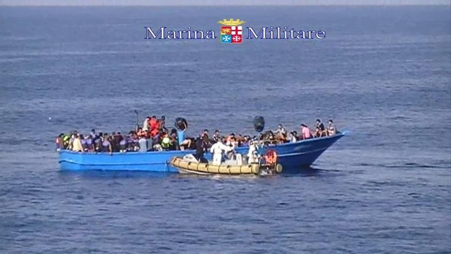 Imágenes del momento de rescate por parte de la Marina Militar italiana. Marina Militare
