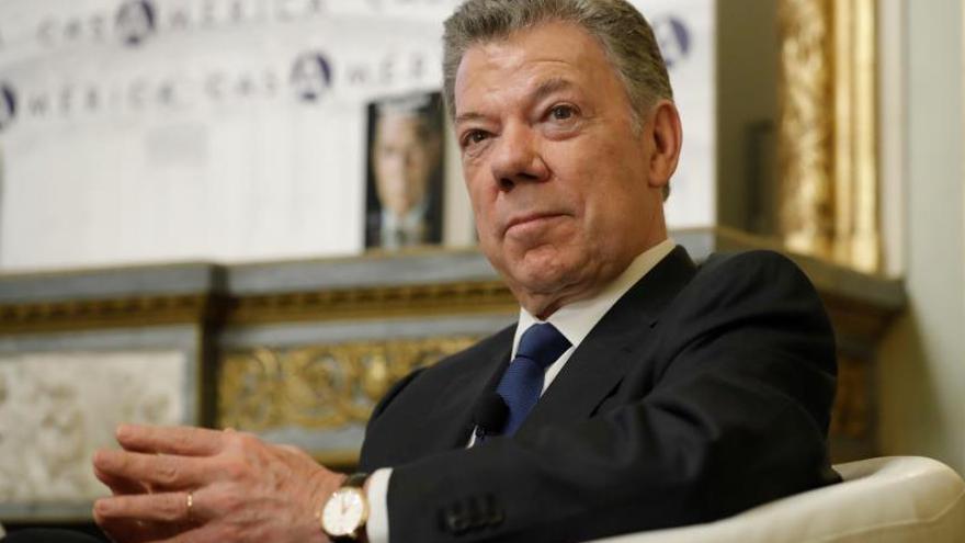Santos pide a Duque que firme ley de la Justicia de Paz tras revés en el Senado