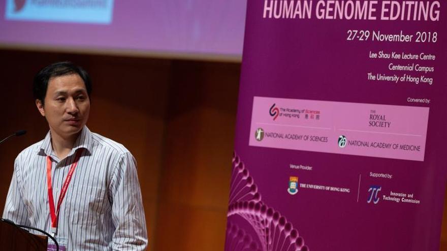 Un científico dice que la edición del ADN de bebés podría hacerlas más inteligentes