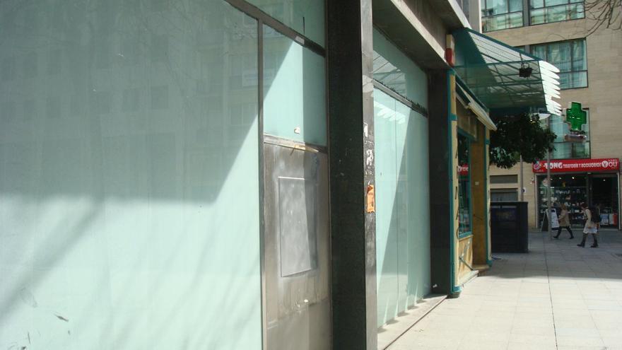 Oficina de CaixaBank en Sevilla cerrada la última semana.